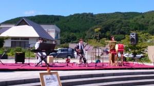 Hull(ハル)。沖縄民謡&POPSの3人組「。10/18イオン日吉津でも会えます。
